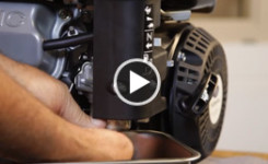 How to Clean the Carburetor of a Small Engine