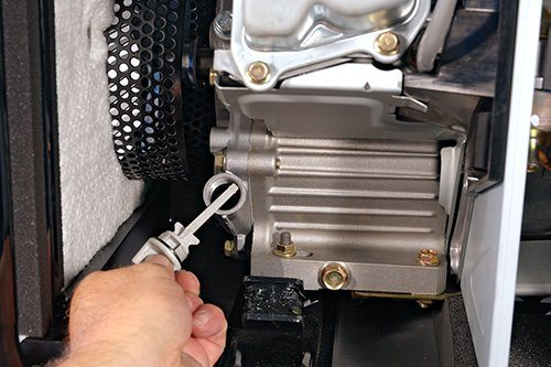 Oil-check-small-engines